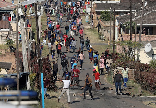 Fiery clashes force Eskom to pull out of Khayelitsha