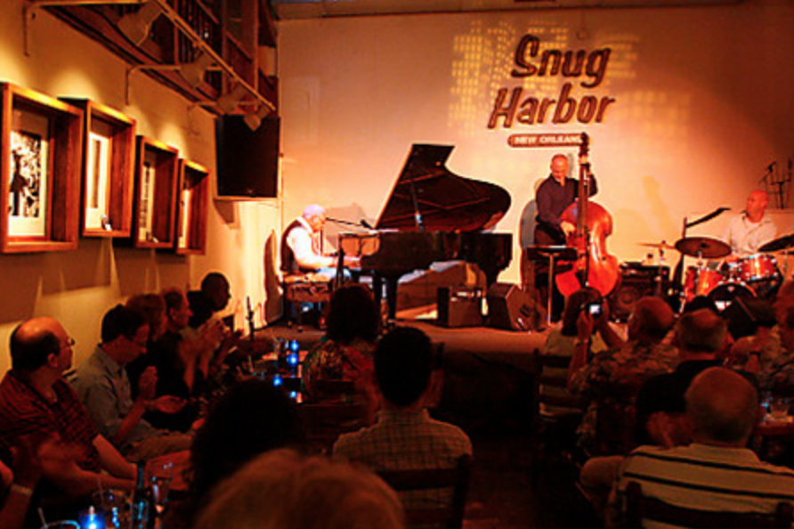 snug harbor live jazz band