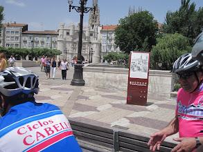 Photo: Carlos, nuestro guía a la entrada de Burgos.