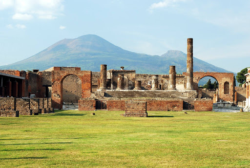 See the ruins of Pompeii on a SeaDream cruise.