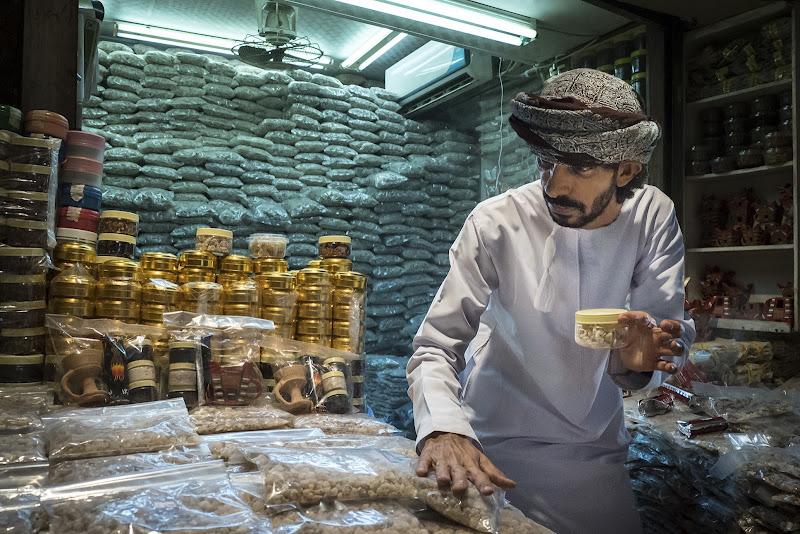 il venditore di incenso nel Souq di carcat