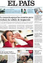 """Photo: En nuestra portada del domingo: """"La mayoría apoya los recortes pero rechaza la subida de impuestos"""", """"El aeropuerto de Castellón gastó 30 millones en publicitarse pese a estar cerrado"""" y """"La crisis volverá a destruir cientos de miles de empleos en 2012"""". http://www.elpais.com/static/misc/portada20120108.pdf"""