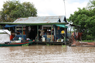 Photo: Year 2 Day 41 -  Floating Shop