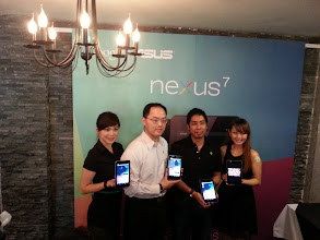 Photo: George Su, Systems Country Manager, ASUS Malaysia and Zeffri Yusof, Head of Communications & Public Affairs, Google Malaysia