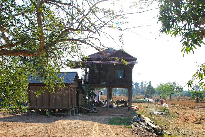 Дома на ножках в Кампучии