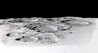 """Photo: Le cratère Boussingault, tout proche du pôle sud lunaire. C'est une """"double cuvette"""" dont la plus grande a une diamètre d'environ 140km.  T406 à 350X en bino le 17 février 2013 au soir. Porte-mine 0,3 HB."""