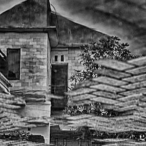 Imaginari home by Tigor Lubis - Black & White Buildings & Architecture