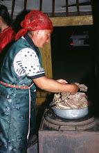 Photo: 03181 ブルド/ハスバータルイ家/夕食/塩茹で骨付き肉