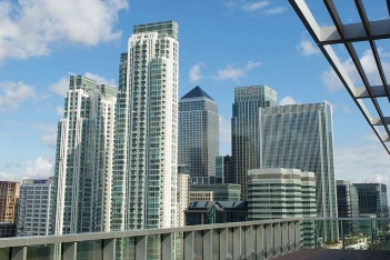 Exterior of Canary Wharf apartment