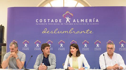 500 ciclistas corriendo gracia a Almería Activa