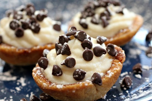 Italian Cream Filled Cannoli Cup's Recipe