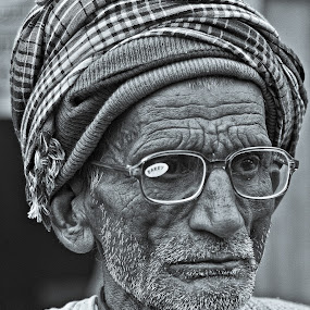 Old age is always ten years older than I am.  by Soumyadip Maity - People Portraits of Men ( old, bw, india, senior citizen, people, portrait,  )