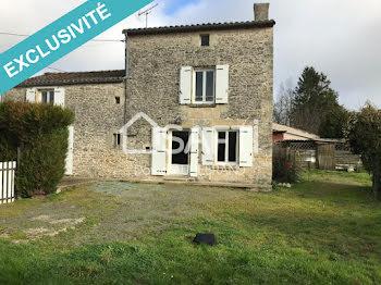maison à Champdeniers-Saint-Denis (79)