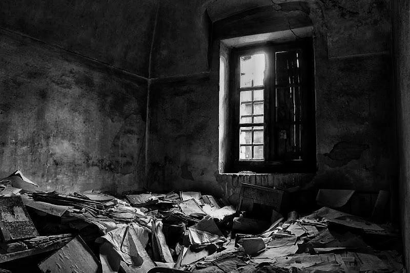 Da una vecchia finestra. di Tefnut_Simo