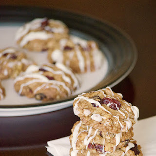 Crispy Craisin Oatmeal Cookies with White Chocolate Drizzle
