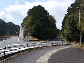 車道を戻り室生ダム(右)へ