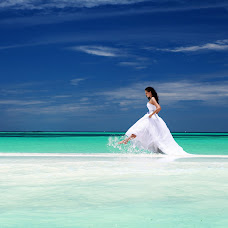 Wedding photographer Zhenya Luzan (tropicpic). Photo of 03.08.2015