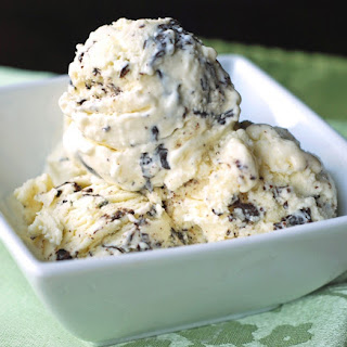 Vanilla Chocolate Chip Ice Cream
