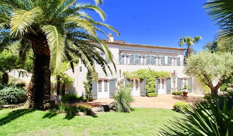 Villa with pool Grimaud