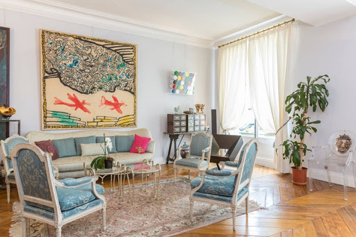 4 bedroom French luxury in 8th with original Art deco