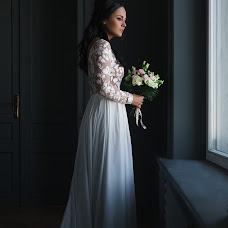 Wedding photographer Aleksandra Krasnozhen (alexkrasnozhen). Photo of 11.04.2018