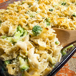 Skinny Baked Mac and Cheese with Broccoli.