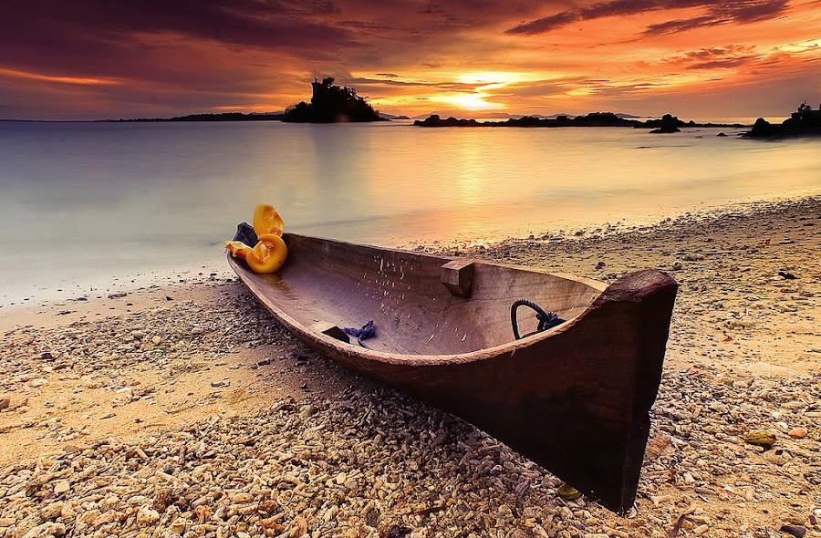 BOAT by Faried Kactoez - Transportation Boats