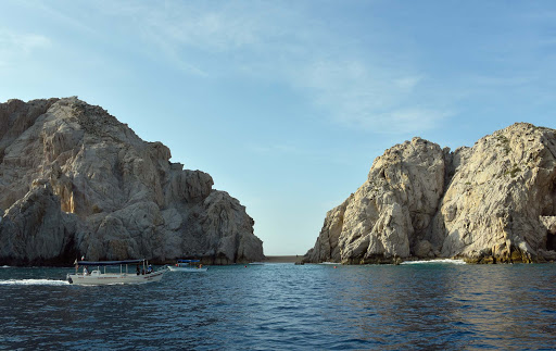 lovers-beach-cabo.jpg - Lovers Beach on Lands End in Cabo, leading to Divorce Beach on the Pacific side.