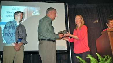Photo: Brenda Cunningham Family receives Sharie Lanza Award