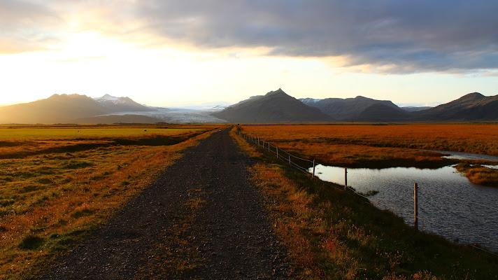La strada per il ghiacciaio di lukich