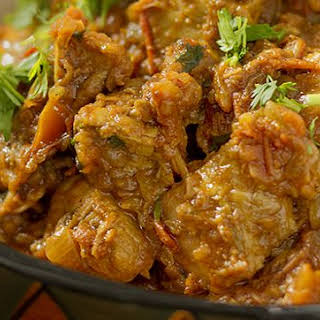 Indian Chicken Curry with Tomatoes and Onions.