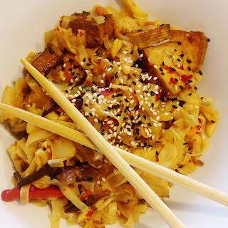 Spicy Noodles With Tofu And Vegetable.