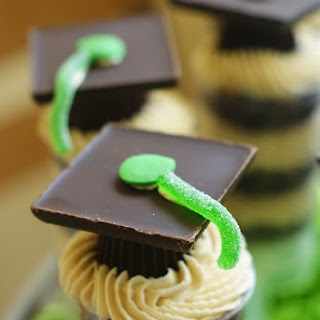 Graduation Peanut Butter Cup Push-Pops