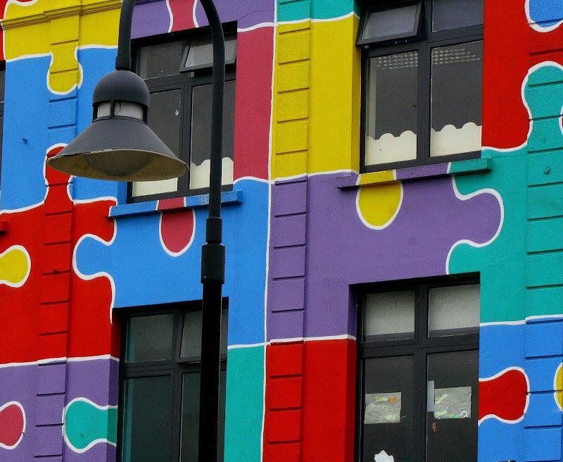 Palazzo multicolore di Andrea F