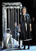 Photo: WIEN/ Theater an der Wien: DIE DREIGROSCHENOPER. Premiere am 13.1.2016. Inszenierung: Keith Warner. Tobias Moretti, Anne Sophie von Otter. Copyright: Barbara Zeininger