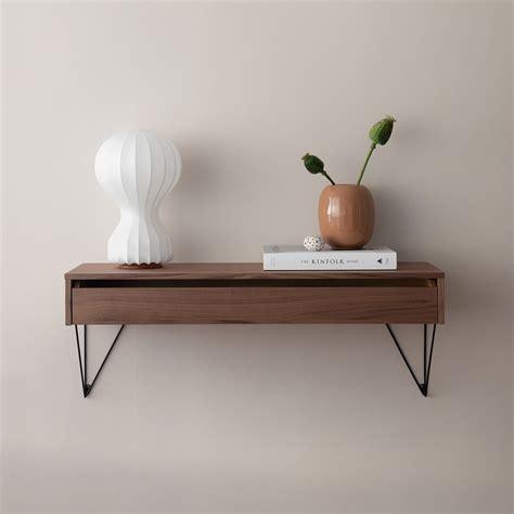 Image d'un tiroir utilisé pour servir d'étagère.