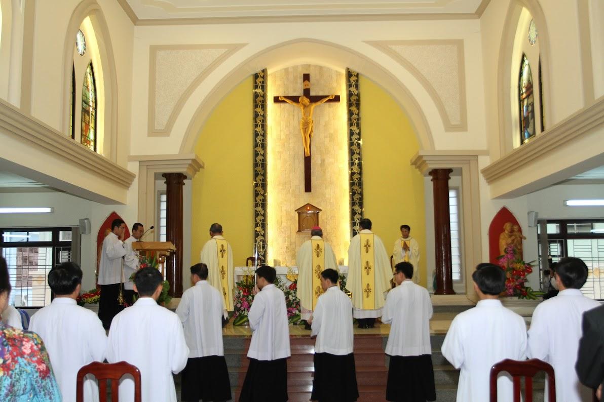 Lễ Phong Chức Phó Tế tại Toà Giám Mục Nha Trang - Ảnh minh hoạ 4