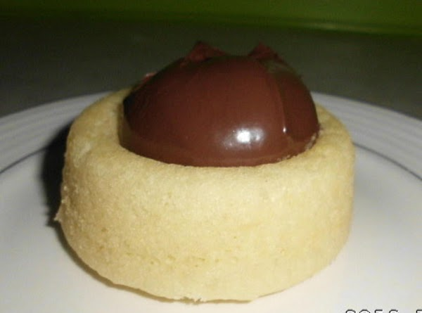 Place a tablespooon full of Nutella inside angelfood cake.