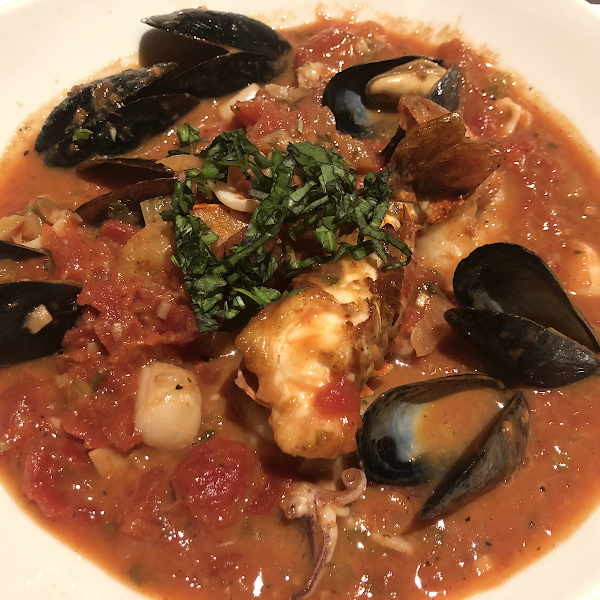 Delicious Cioppino seafood stew (San Francisco style)
