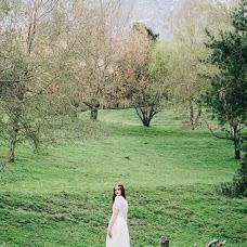 Wedding photographer Ekaterina Kolomarova (katesalat). Photo of 07.04.2017