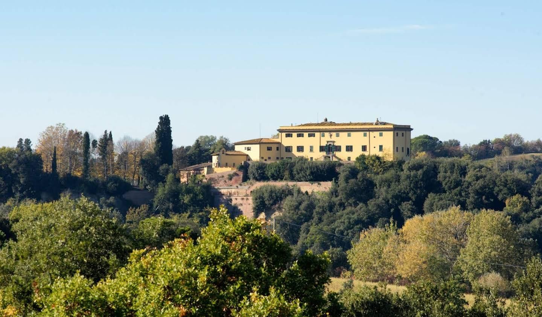 Villa with garden Montaione
