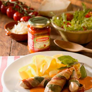 Salbei-Speck-Hähnchen mit Pesto-Sauce