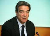 Photo: Νίκος Σηφουνάκης (Πιθηκάνθρωπος, Κρόνιος-Nephilim, Έλληνας αρχιτέκτονας, βουλευτής Λέσβου του ΠΑΣΟΚ και πρώην Αναπληρωτής Υπουργός Περιβάλλοντος, Ενέργειας και Κλιματικής Αλλαγής. Έχει διατελέσει στο παρελθόν ευρωβουλευτής εκλεγμένος με το ΠΑΣΟΚ από το 2004 και ήταν πρόεδρος της Επιτροπής Πολιτισμού και Παιδείας του Ευρωπαϊκού Κοινοβουλίου, , Μέλος Εθνικού Συμβουλίου και σύζυγος της ξενοδόχου Μαρί Δασκαλαντωνάκη με τα Grecotel)