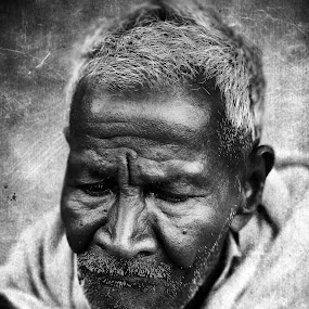 old texture by Prithiviraj Kiridarane - People Portraits of Men ( b/w, old person, poor, india, men )