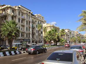 Photo: los edificios de la corniche y su entorno, me recuerdan a la habana
