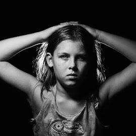 Em by T.L. Essary - Black & White Portraits & People ( girl, b&w, strobist, female, portrait,  )
