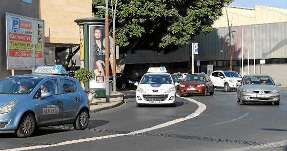 El sector de las autoescuelas toma la palabra en 'Hoy por Hoy Almería'