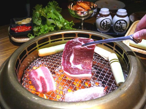 米炭火燒肉小酒館