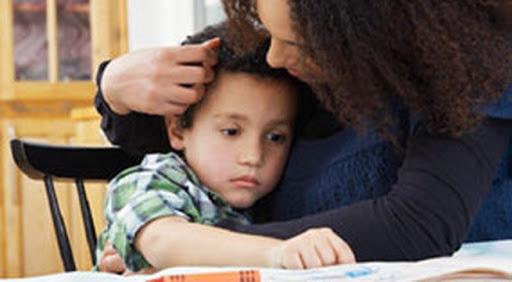 trẻ tự kỷ, 2 tuổi không nói được, tự kỷ trẻ em