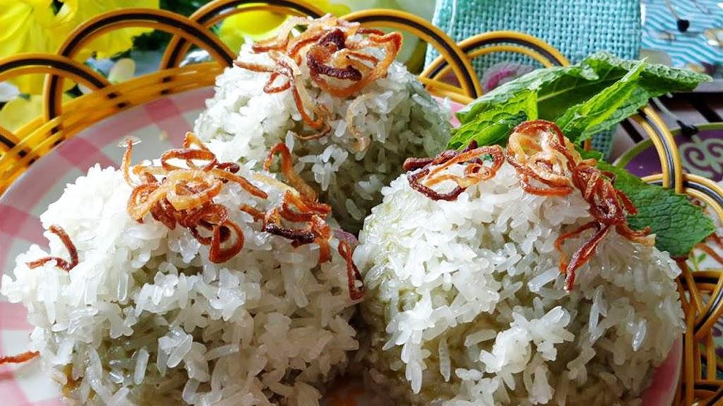 Xôi khúc – món ăn bình dân dẻo thơm ngon khó cưỡng